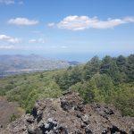Uitzicht vanaf lava van de Etna uitbarsting van 1923