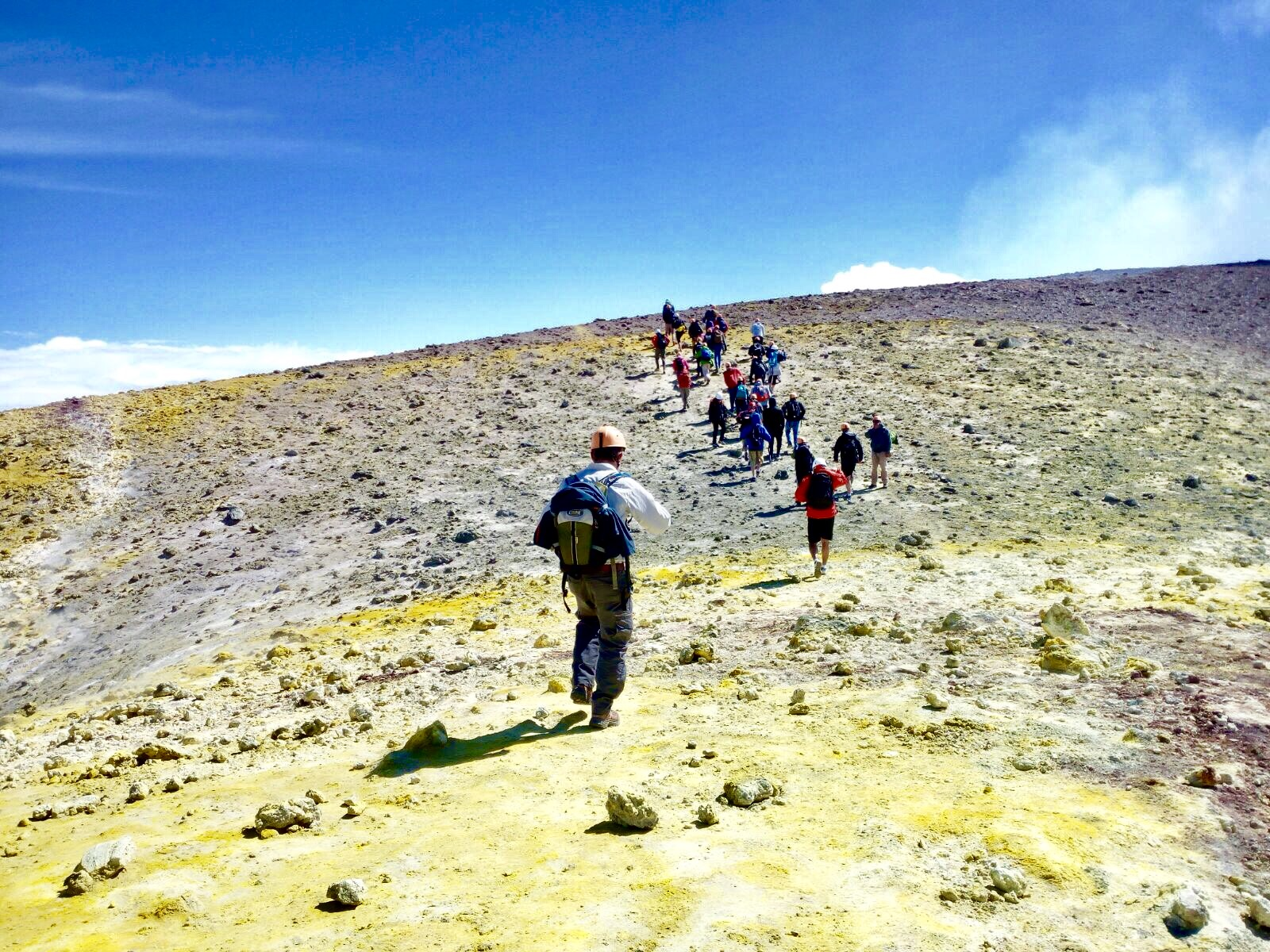 Top krater Etna vulkaan trekking