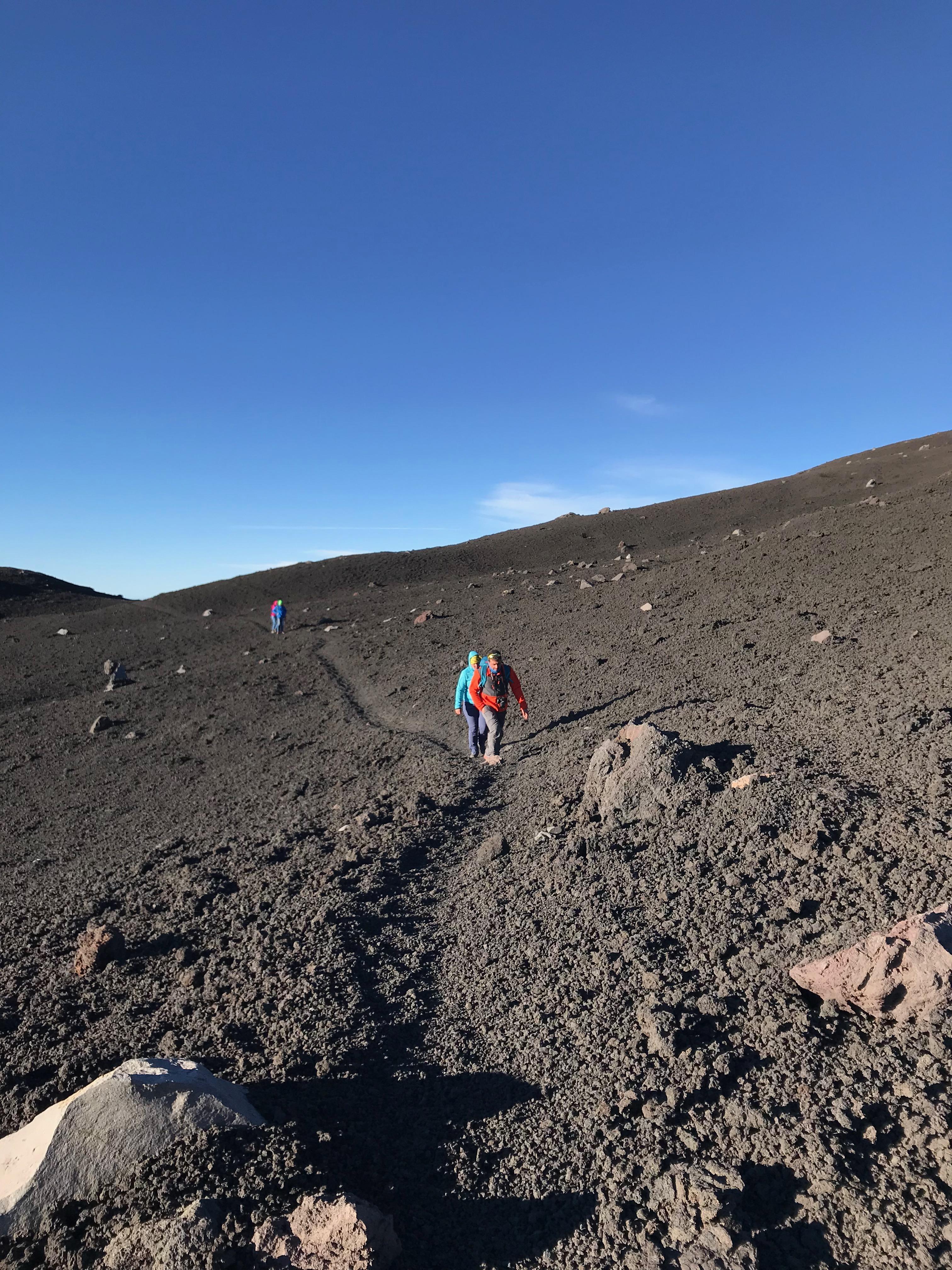 Wandelpad naar de Etna top krater