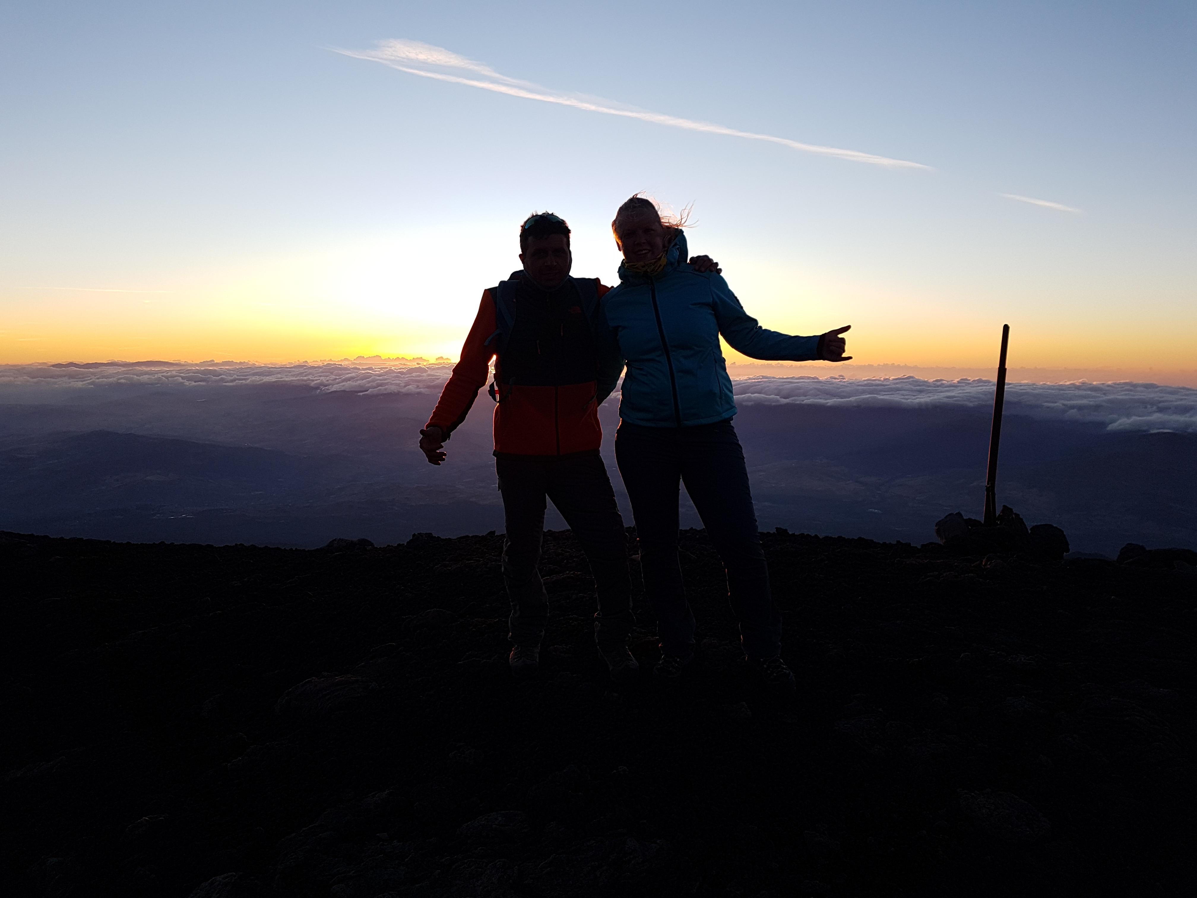 Anniek & Alessandro bij Etna sunset